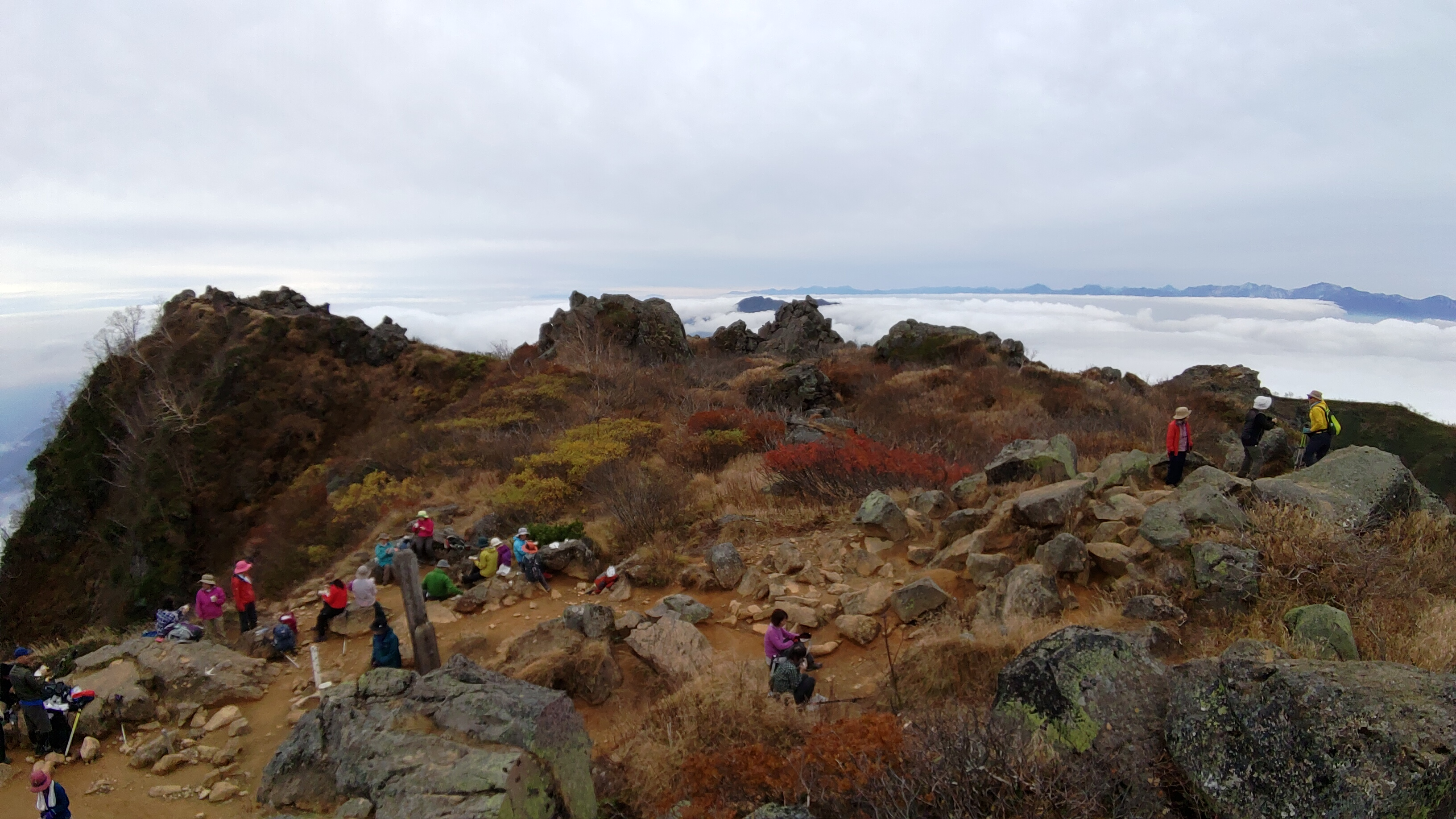 妙高山(2454m)、火打山(2462m)(新潟の山)の写真。2018/10/03(水)~10/04(木)