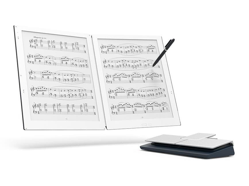 譜面を見ながらのハーモニカ演奏時の強い味方「デジタルペーパー」「GVIDO 電子楽譜専用端末」「モバイルモニター」「網膜投影メガネ」